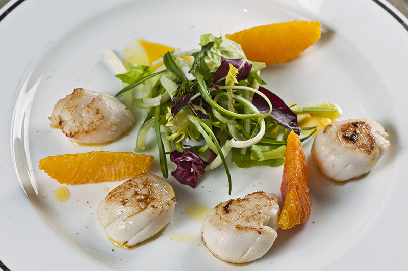 hotel-de-russie-rome-seared-scallops-with-puntarelle-and-oranges-4055