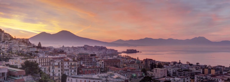 Highlights and Off the Beaten Track Experiences in Napoli, Italy