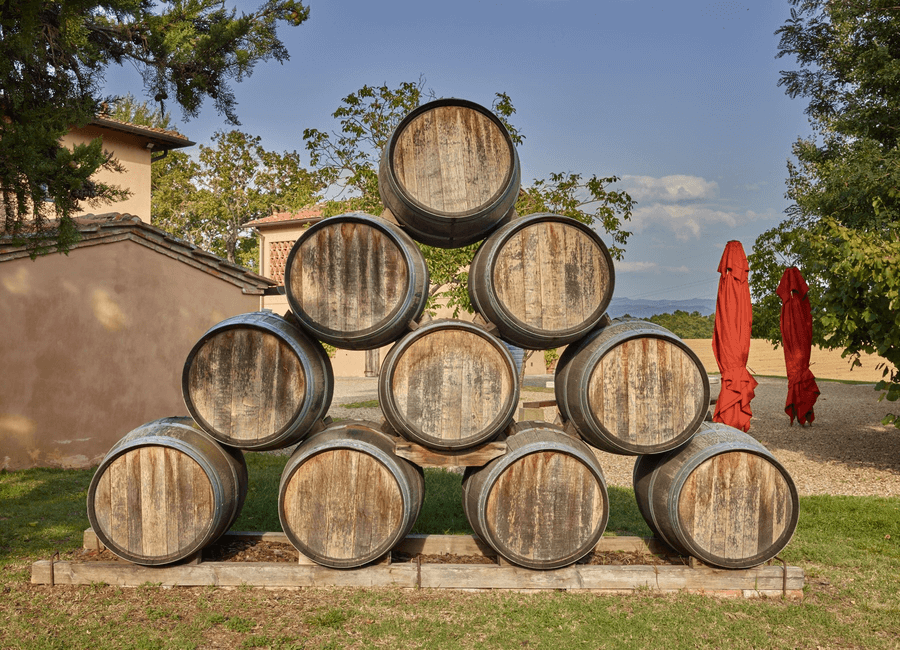 Il palagio wines: barrels outside the farm shop